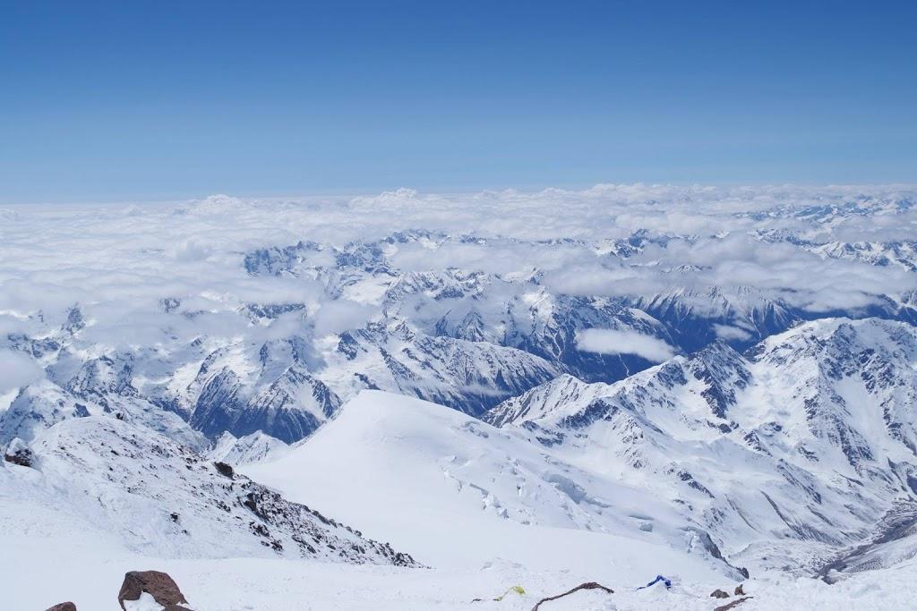Эльбрус 5642 м. Вид с вершины